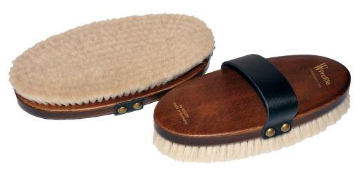 Щетка большая W-Profile, мягчайший волос на деревянной лакированной основе